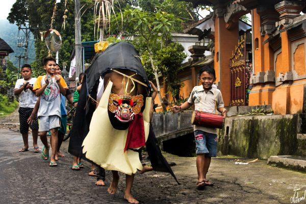 köksal şahin,köksal,şahin,koksal,koksal sahin,fotoğraf,fotoğrafçı,fotoğraf sanatçısı,bali,Endonezya,ada,pirinç,pirinç tarlası,deniz,okyanus,Hinduizm,hindu, şehir,yaşam,sokak,sokak fotoğrafı,yaşam,asya